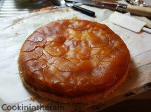 démoulage de la tarte tatin