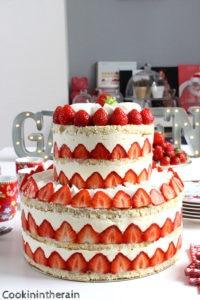 fraisier wedding cake avant d'être dévoré