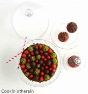 tarte aux fraises, gianduja et pistaches vue du dessus