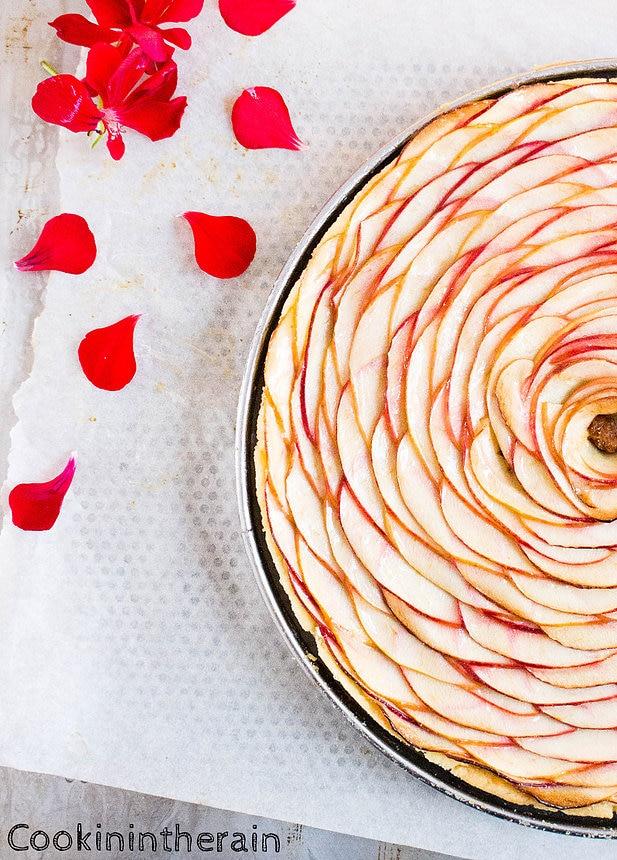 zoom sur la tarte aux pommes et spéculoos