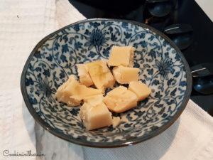 passage de la pâte d'amandes au micro onde pour ramolissement