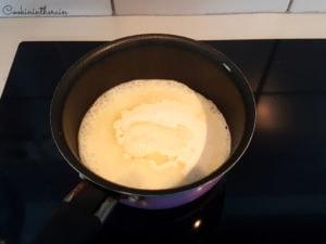 ébullition de la crème liquide infusée et sucre inverti