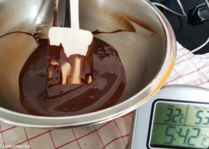 Poursuite du refroidissement de la couverture fondue à 32°C pour utilisation