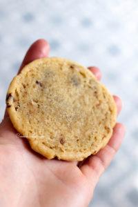 Le cookie est sous cuit pour être très très fondant ou chewy