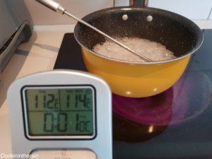 début de montée des blancs d'oeufs quand le sirop est à 112°C