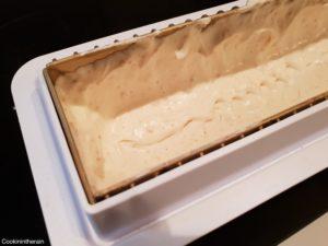 première couche de mousse amande