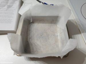 moule chemisé de papier sulfurisé