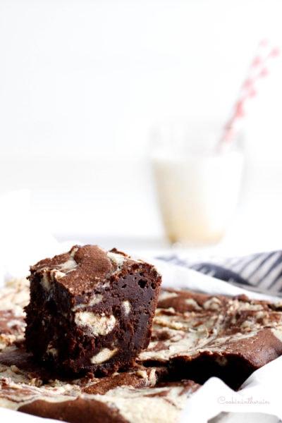 Zoom sur le brownie marbré Ottolenghi