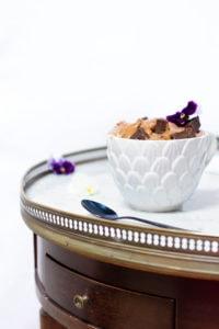 Recette de glace au chocolat noir, brownie et caramel beurre salé